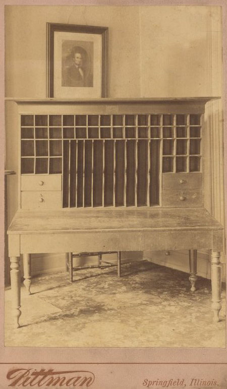 Desk, E. P. Wright, Worcester, MA, 1854 ad,  Lincolns_Desk_Springfield_IL_1880s_photo_OM.JPG (66316 bytes) - Desks